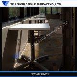 高品質のCorianの大理石の喫茶店のダイニングテーブルセット