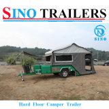 堅い床のキャンバスのテントのキャンプのトレーラー