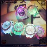 De yxl-703 LEIDENE van de Lichten van het Polshorloge van de Diamant van het Silicone van Genève van de Manier van 2015 Nieuwe Kleurrijke Lichtgevende Horloges van het Kwarts