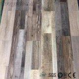 Bequeme hölzerne Muster-Schalen-und Selbststock Lvt Vinylfußboden-Fliese