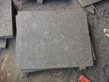 La dalle noire de Mongolie, les carreaux de basalte noir, la coupe à la taille, le basalte absolu