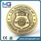 Insignes durs de véhicule de médaille en métal de souvenir d'émail en métal avec le trou de vis