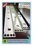 ステンレス鋼またはアルミニウムおよび粉のコーティングと押す金属
