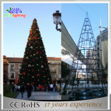 Im Freien LED riesiges grünes Metallkünstlicher beleuchteter Weihnachtsbaum des Feiertags-