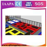 Sosta dell'interno del trampolino della base dell'ammortizzatore ausiliario personalizzata luogo dell'interno di zona del cielo grande