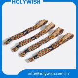 Wristbands feitos sob encomenda do VIP do clube do logotipo do projeto agradável para a venda