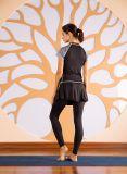 Compressão apertada da mulher manga curta Faux Yoga de fitness de duas partes