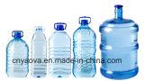 Botella de agua plástica que hace la máquina