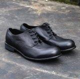 De zwarte Schoenen van de Tennisschoen van het Leer van de Koe In te ademen voor Mensen