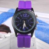 Novo Desporto OEM luxo estilo Genva Moda relógio de pulso de quartzo personalizada