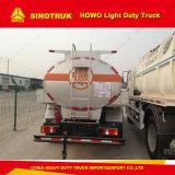 Sinotruk HOWO 4X2 가벼운 의무 연료 또는 석유 탱크 트럭