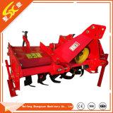 L'agriculture //jardin de la machine agricole avec le côté boîte de vitesses