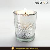 ガラス蝋燭ホールダーを刻む銀製カラーロウソク