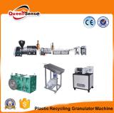 Überschüssiger Plastik, der Maschine PET Abfall-Plastikextruder aufbereitet