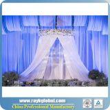 O branco drapeja para a tubulação usada casamentos e drapeja para a venda