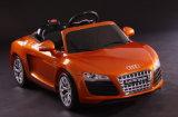 Audi R8 d'une licence ride sur la voiture