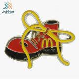 Изготовленный на заказ эмаль логоса пиццы с Epoxy штырями логоса металла