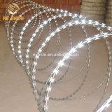 Acier inoxydable 316 450mm bobine de fil barbelé concertina rasoir