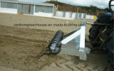 Очистьте вверх машину чистки пляжа сгребалки большого пляжа материальную