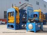 Macchina per fabbricare i mattoni vuota concreta automatica idraulica del blocchetto del lastricatore Qt4-15
