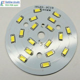 편들어진 PCB 알루미늄 LED 회로판을 골라내십시오