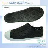 Le sport en plein air de chaussures de jardin de mode chausse des entraves d'EVA