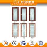 標準サイズのアルミニウムドア装飾的なガラスが付いている浴室部屋のために使用する