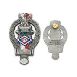 Distintivo duro personalizzato della polizia dell'oro dello smalto che infiamma trovante l'eroe eccellente piano della bandierina