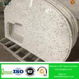 Partie supérieure du comptoir artificielle de cuisine de pierre de quartz veinée par marbre