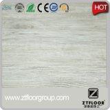 Uso interior y tratamiento superficial UV Suelo de vinilo de PVC