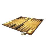 لعبة كلاسيكيّة طاولة زهر في تركيب صندوق