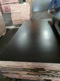 madera contrachapada Shuttering del álamo de 18m m con negro/película de Brown para las construcciones