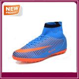 Form-Fußball der Großhandelsmänner bereift Fußball-Schuhe