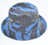 La manera 2016 bordó el casquillo del pescador del sombrero del cubo