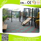 Comercio al por mayor precio de fábrica del piso de goma para el exterior patio de recreo