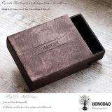 Rectángulo de regalo de madera modificado para requisitos particulares del pino del precio de fábrica de Hongdao con el _E grabado de la insignia