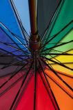 Ombrello di golf del Rainbow delle 16 nervature grande con i marchi personalizzati (GOL-1627R)