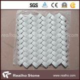 La pietra naturale collega le mattonelle di mosaico di marmo del reticolo per la stanza da bagno