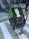 Machine de nettoyage automatique d'escalator