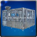 Llenado automático del agua mineral del animal doméstico que embotella la línea de embalaje
