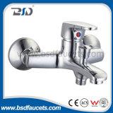 Grifo de agua de cobre amarillo de la ducha de la UE del bajo costo de China