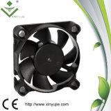 Ventilateur industriel imperméable à l'eau personnalisé par faible consommation d'énergie de Xyj4510 5V 12V 24V 45mm