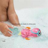 El mecanismo enrolla juguete del pingüino del regalo del juguete del baño del pingüino para arriba que nada el gran para el baño de los niños que juega la diversión