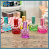 De kleurrijke Fles van het Glas van de Nevel van het Parfum