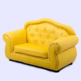 أريكة صفراء حديثة لأنّ يعيش غرفة