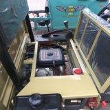 Un montón perfecto del manejo del vehículo utilitario clásico UTV del almacenaje