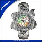 Montre-bracelet Fleur-Shaped élégante neuve Psd-2377 de quartz de montre de dames