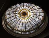 De Koepel van het het plafondGebrandschilderd glas van de Zaal met het Patroon van de Kunst
