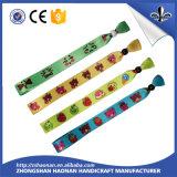 Portatarjetas de encargo de la identificación de los acolladores de la fibra de poliester del cuello de la marca de fábrica de la comercialización