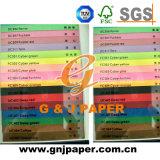 Diferentes colores de papel para la impresión offset.